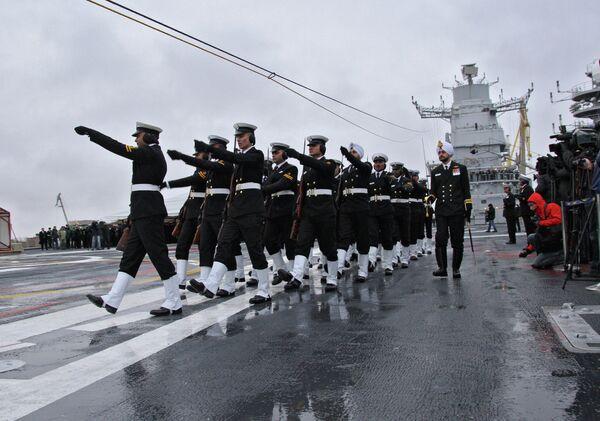 Ceremonia de entrega del portaviones Vikramaditya a la India - Sputnik Mundo