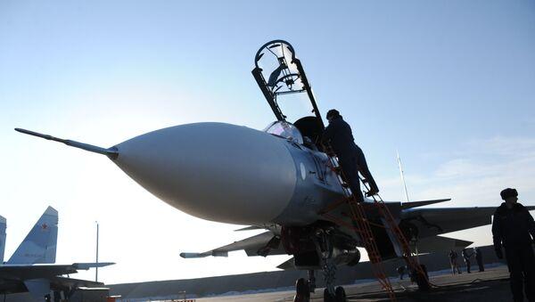 Casa Su-30 SM en la base aérea rusa (Archivo) - Sputnik Mundo