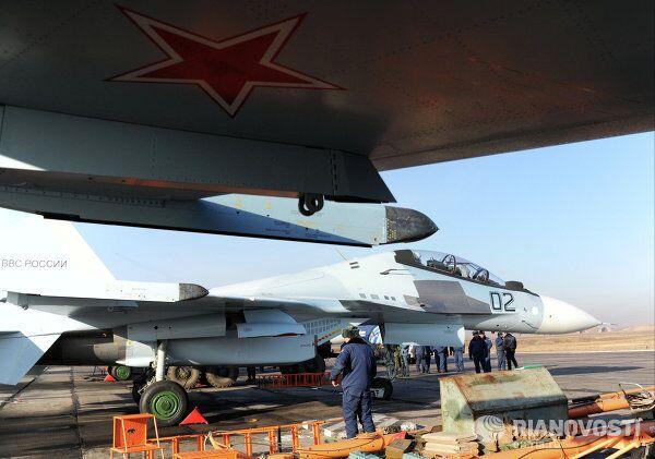 Primeros vuelos de nuevos cazas Su-30SM en una base aérea rusa - Sputnik Mundo