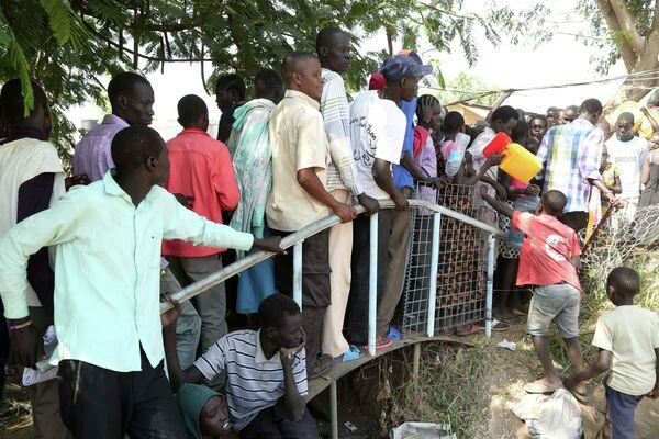 Al menos 10.000 personas  huyen de Sudán del Sur - Sputnik Mundo