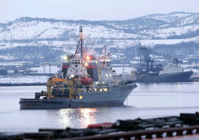 Puerto de Severomorsk (archivo)