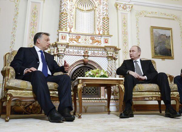Viktor Orban y Vladímir Putin - Sputnik Mundo