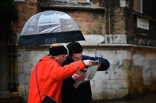 El flujo de turistas rusos a Europa disminuye un 50% en seis meses - Sputnik Mundo