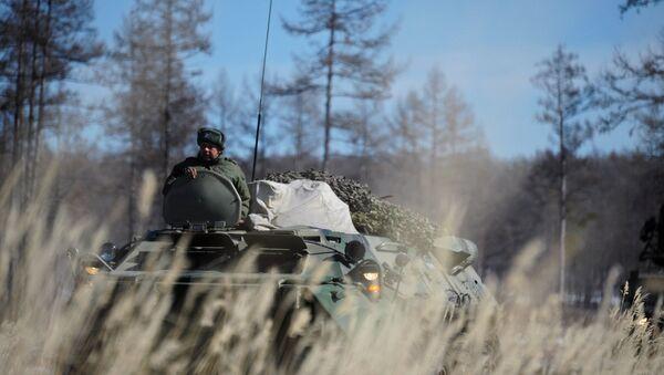 Ejercicios tácticos de los militares de la unidad del Distrito Militar Este - Sputnik Mundo