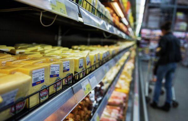 La opinión pública rusa, dividida respecto al boicot de mercancías ucranianas - Sputnik Mundo