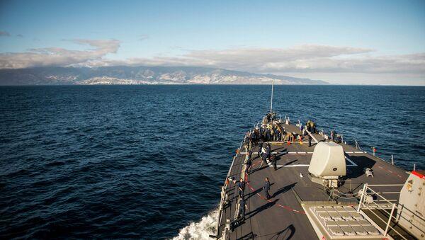El destructor estadounidense USS Donald Cook (DDG 75) - Sputnik Mundo