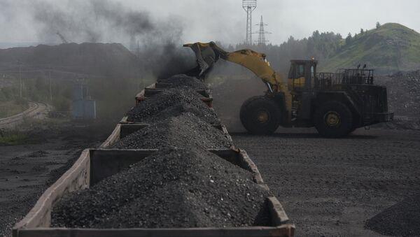 Rusia podría aumentar 3 o 4 veces sus suministros de electricidad y carbón a China - Sputnik Mundo