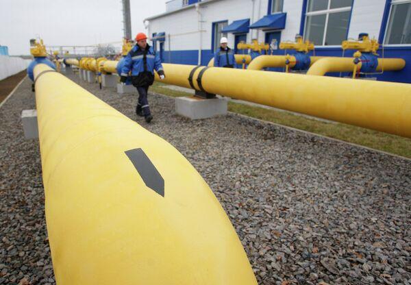 Ucrania logra un acuerdo para reimportar el gas natural vía Eslovaquia - Sputnik Mundo