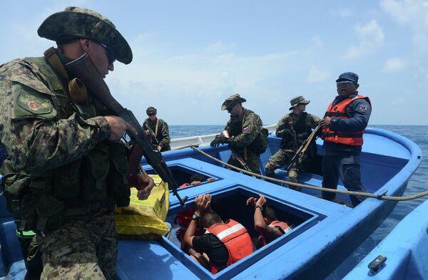 Rusia participa en maniobras contra narcotráfico en el mar Caribe - Sputnik Mundo