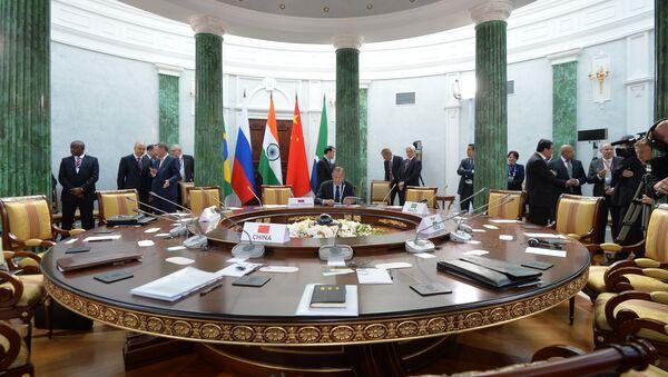 El grupo BRICS, posible contrapeso al dominio mundial de EEUU - Sputnik Mundo