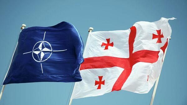 Banderas de la OTAN y Georgia - Sputnik Mundo