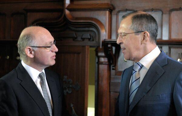 El ministro de Relaciones Exteriores de Argentina, Héctor Timerman, agradeció hoy a su colega ruso, Serguéi Lavrov, el apoyo de Moscú en la cuestión de las islas Malvinas. - Sputnik Mundo