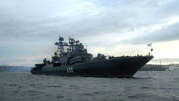 Los buques rusos de la Flota del Norte navegarán en 2015 por regiones claves del océano - Sputnik Mundo