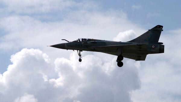 Caza francés Mirage 2000 - Sputnik Mundo