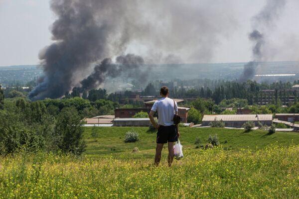 Al menos cinco muertos, incluida una niña, por bombardeos a Slaviansk - Sputnik Mundo