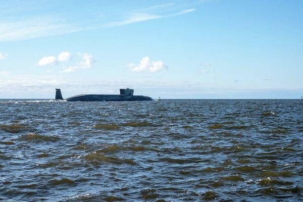 """El submarino nuclear """"Vladímir Monomaj"""" disparará misil Bulavá en el curso de dos días - Sputnik Mundo"""