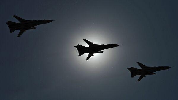 Aviones de asalto Su-24 (archivo) - Sputnik Mundo