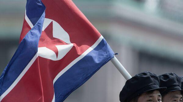 Corea del Norte ensaya tres misiles de corto alcance - Sputnik Mundo