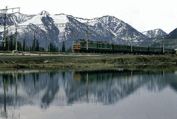 Rusia relanza el proyecto de Ferrocarril Baikal-Amur - Sputnik Mundo