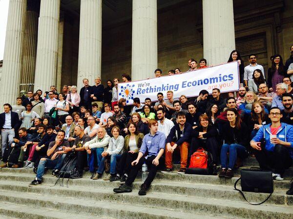 Los estudiantes de Económicas reclaman pluralismo en las aulas - Sputnik Mundo