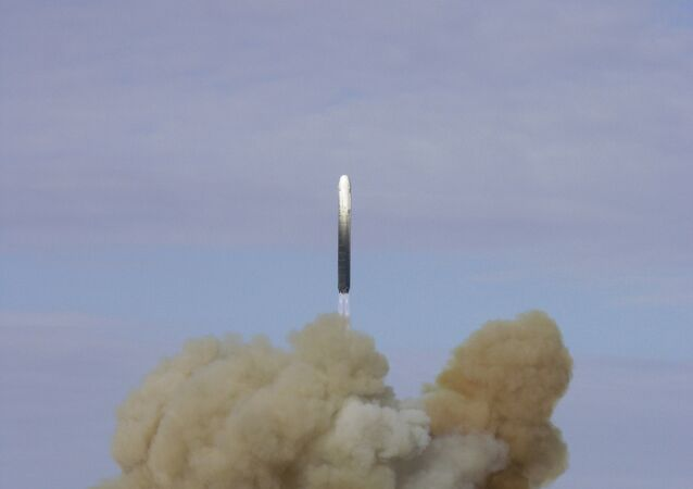 Lanzamiento de un misil balístico Stiletto UR-100N (Archivo)