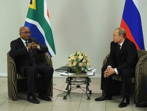 Presidente de Sudáfrica, Jacob Zuma y presidente de Rusia, Vladímir Putin - Sputnik Mundo