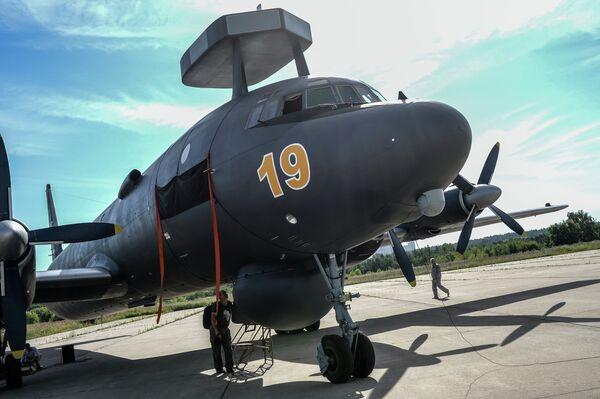 Передача противолодочного самолета Ил-38Н ВМФ России