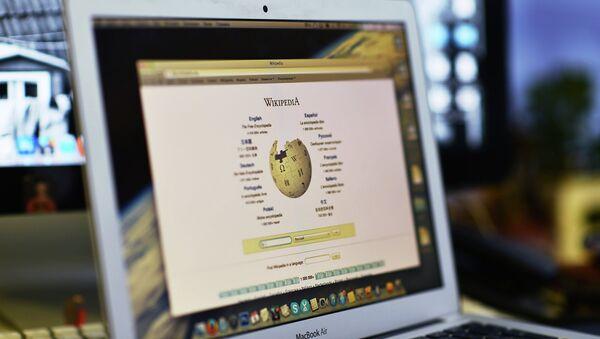 Wikipedia bloquea la cuenta de un político conservador británico - Sputnik Mundo