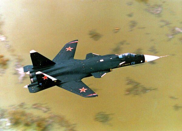 "Caza S-37 ""Bérkut"" (Su-47), laboratorio experimental volador. - Sputnik Mundo"