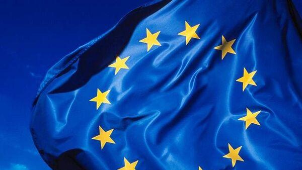 La CE considera que sanciones contra Rusia tendrán impacto moderado en la economía europea - Sputnik Mundo
