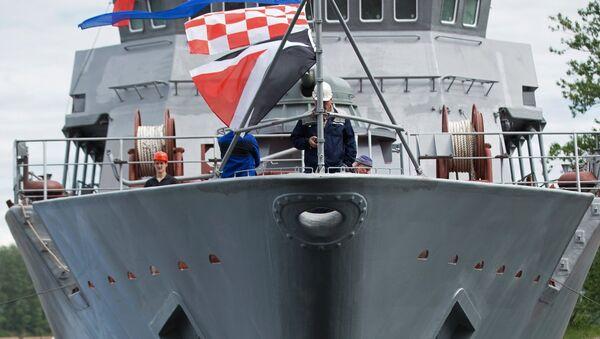 Спуск на воду головного противоминного корабля Александр Обухов - Sputnik Mundo