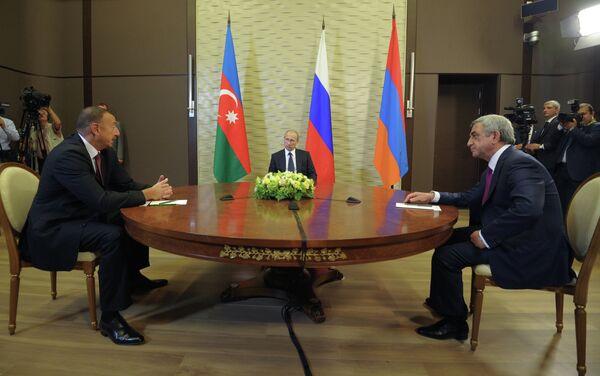 Presidente de Azerbaiyán, Iljam Alíev, presidente de Rusia, Vladímir Putin y presidente de Armenia, Serzh Sargsyan - Sputnik Mundo
