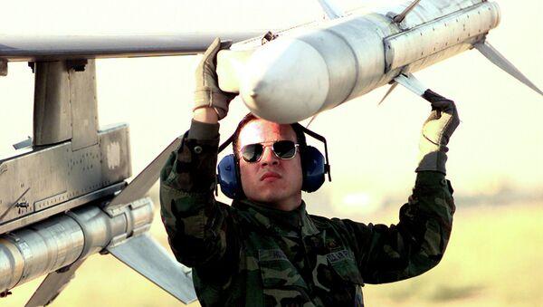 Misil AIM-120 AMRAAM - Sputnik Mundo