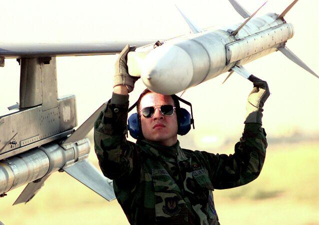 Un misil AIM-120 AMRAAM (imagen referencial)