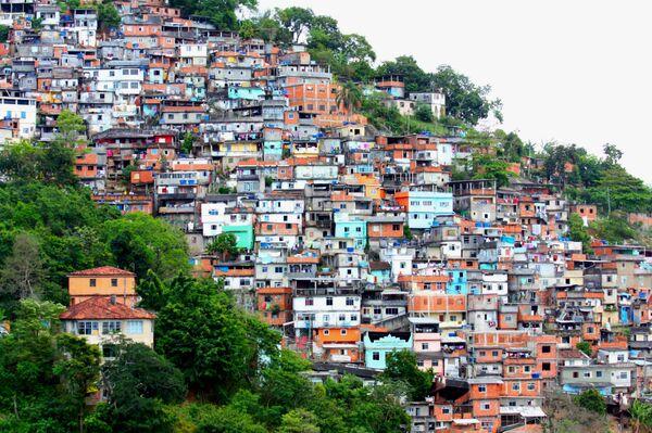 AI lanza una campaña por las muertes de ciudadanos a manos de policía en una favela de Río - Sputnik Mundo