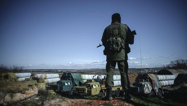Soldado ruso en Crimea - Sputnik Mundo