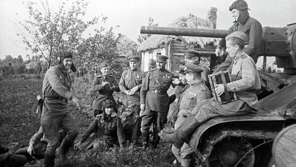 Soldados soviéticos - Sputnik Mundo