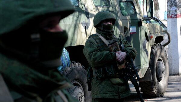 Militares rusos en Simferópol, 18 marzo, 2014 - Sputnik Mundo