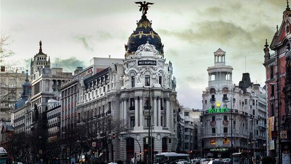 Casi 140.000 españoles han emigrado por la crisis - Sputnik Mundo