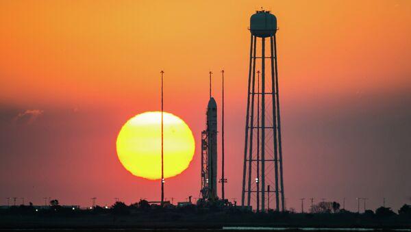 Cohete estadounidense Antares - Sputnik Mundo