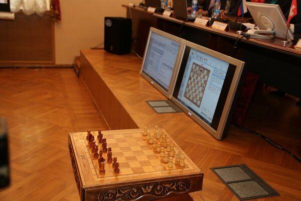 """Presidiarios rusos menores de edad derrotan a sus """"colegas"""" suizos en torneo de ajedrez - Sputnik Mundo"""