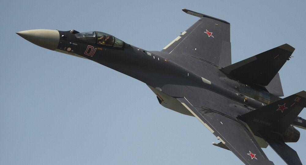 Caza Su-35 ruso