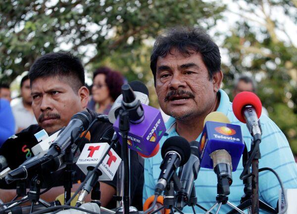 Felipe de la Cruz, portavoz de los familiares de estudiantes desaparecidos - Sputnik Mundo