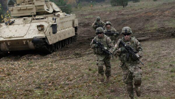 La nueva Fuerza de Respuesta Rápida de la OTAN es una provocación - Sputnik Mundo