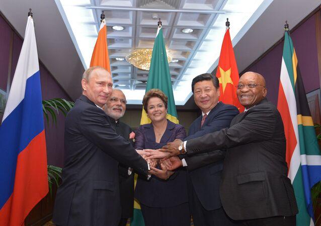 Líderes de los países BRICS, Vladímir Putin, Narendra Modi, Dilma Rousseff, Xi Jinping y Jacob Zuma