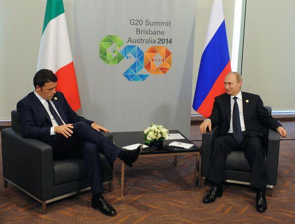 Primer ministro de Italia, Matteo Renzi y presidente de Rusia, Vladímir Putin - Sputnik Mundo