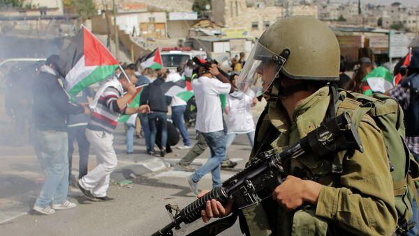 Choques de palestinos con los militares israelíes (Archivo) - Sputnik Mundo