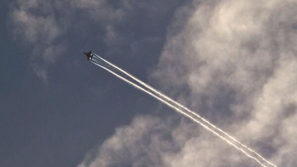 Un avión militar en Siria - Sputnik Mundo