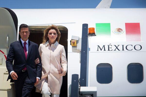 Presidente de México Enrique Peña y primera dama de México, Angélica Rivera de Peña - Sputnik Mundo