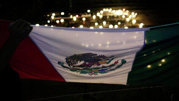 Expertos de caso Ayotzinapa encontraron restos incinerados de 17 personas en México - Sputnik Mundo